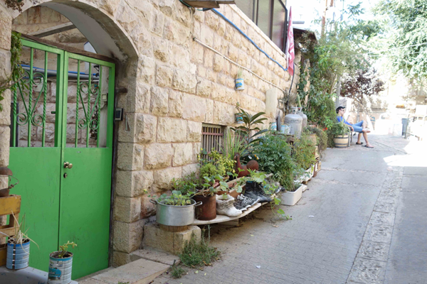 Mobiler Garten in eine Fußgängerstraße in Jerusalem