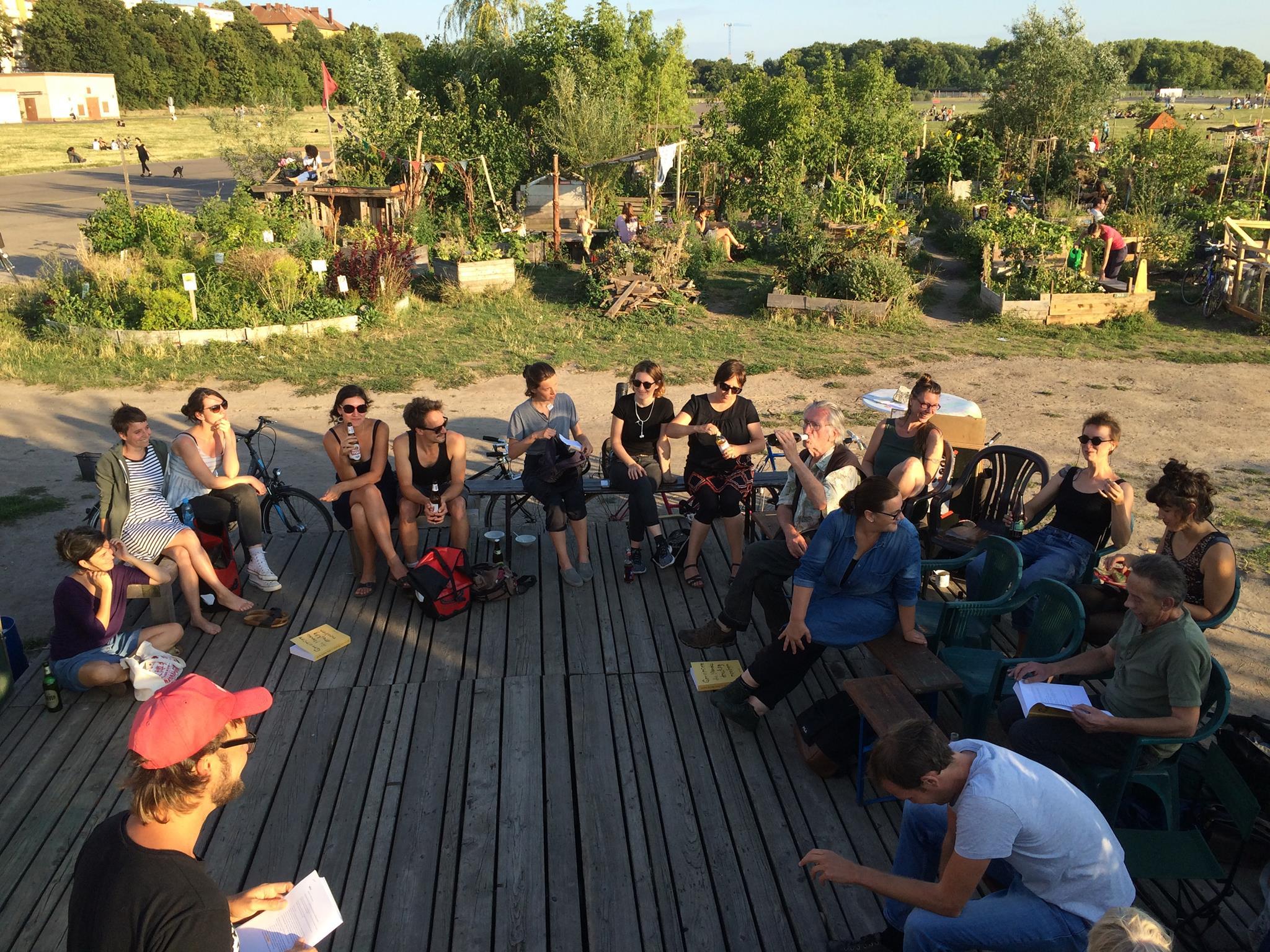 Vorstellung des UA zum Gemeingut Grün in einem Treffen der Berliner Gartenebwegung im Allmende-Kontor